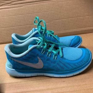 Nike free 5.0 blue and green